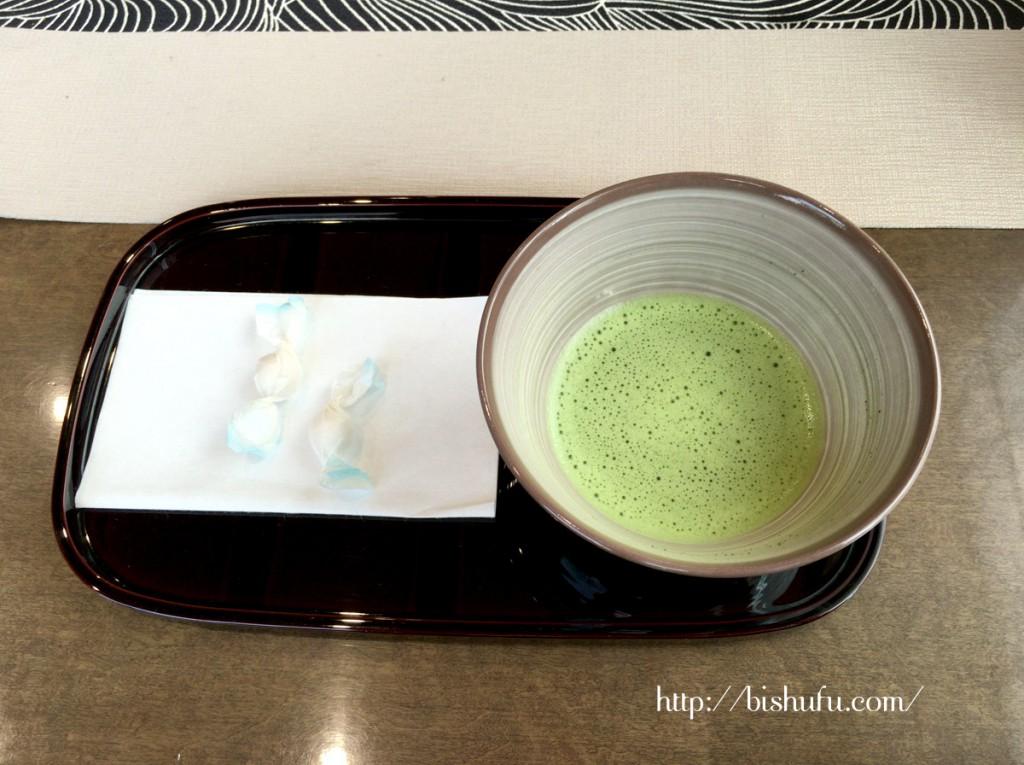 お抹茶と和三盆のお菓子