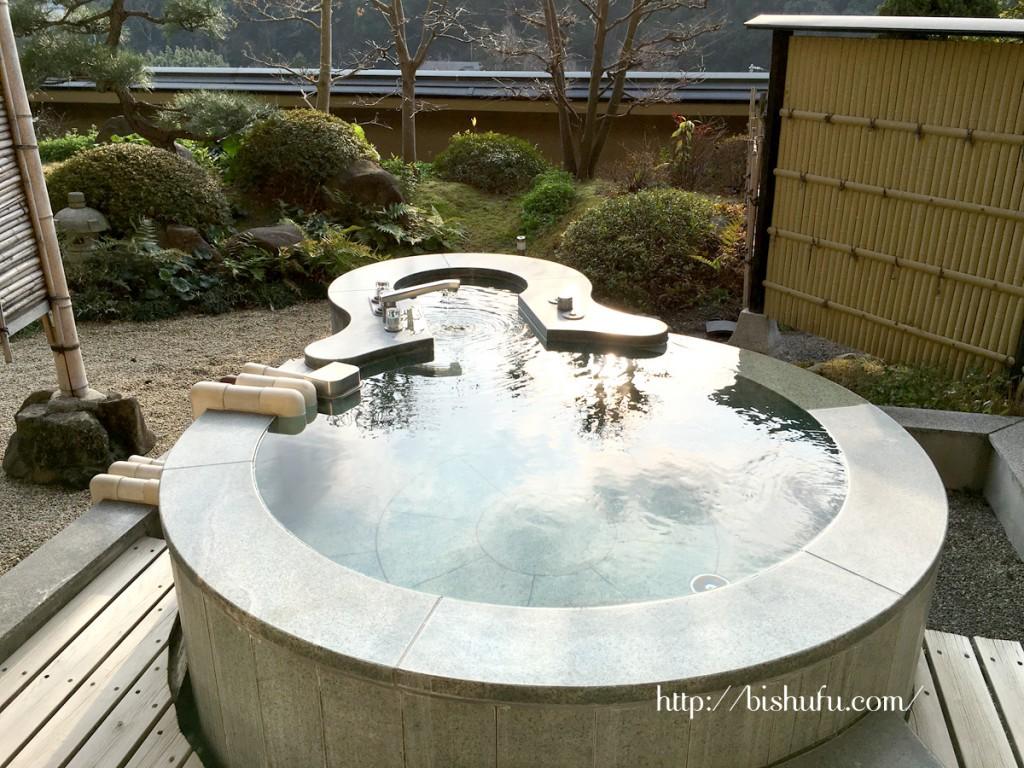 琴参閣(飛天の館)特別客室にある露天風呂