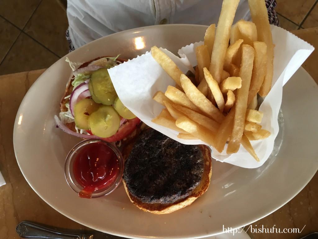 ハンバーガー チーズケーキファクトリー