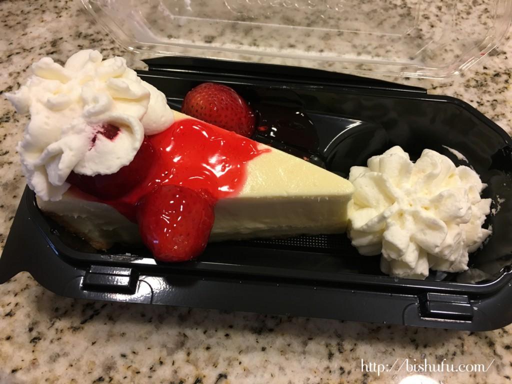 チーズケーキファクトリー ストロベリーチーズケーキ