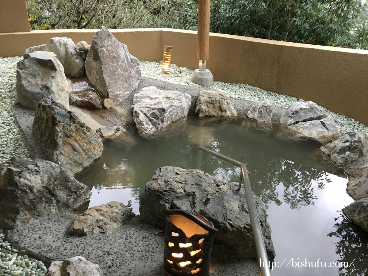 露天風呂客室のお風呂