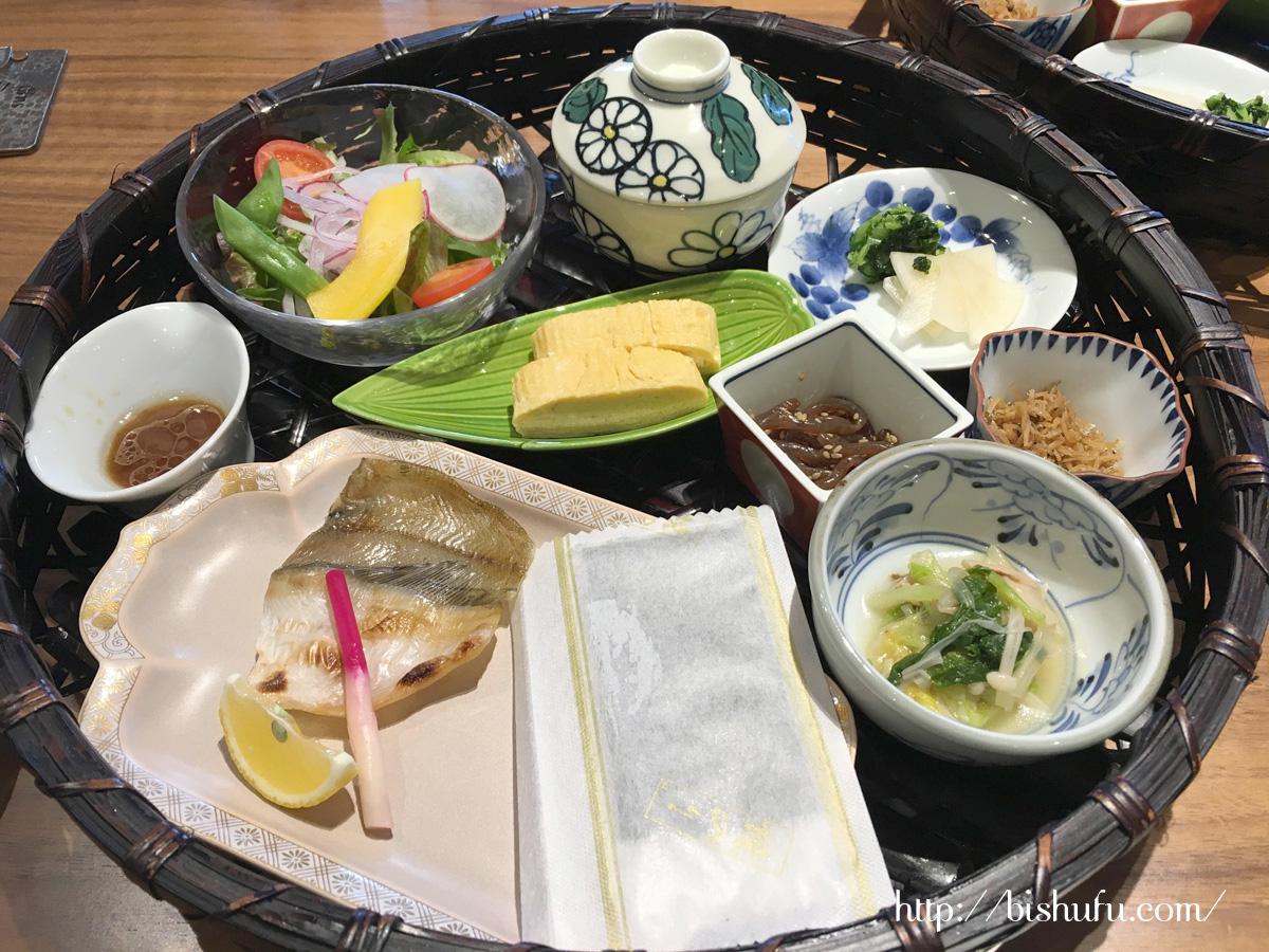 神和苑(かんなわえん)の朝食